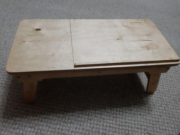 Деревянний столик
