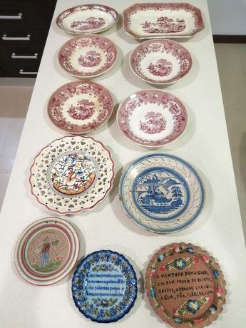 Pratos decorativos muito antigos