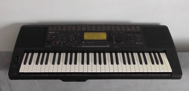 Keyboard Yamaha PSR-620 używany