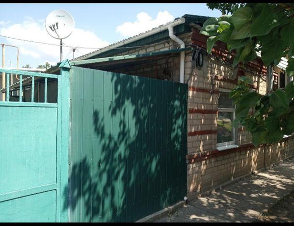 Сдам дом Бердянск р-н Лиски с 1 октября по 1 июня.