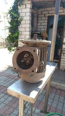 Электродвигатель 3.0 кВт 2850 об/мин