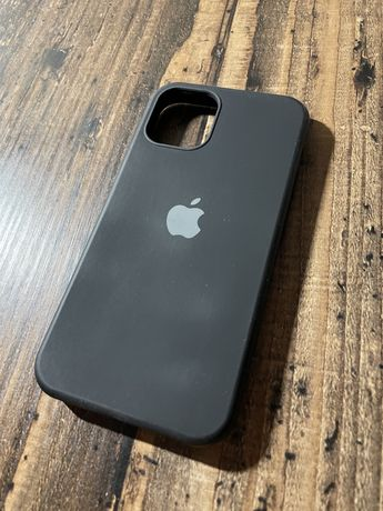 Чехол на iPhone 12 mini.