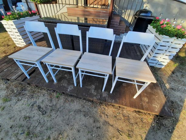 Sprzedam krzesła do kuchni lub jadalni.
