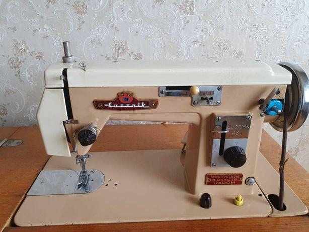 Maszyna do szycia Łucznik 431 szafkowa
