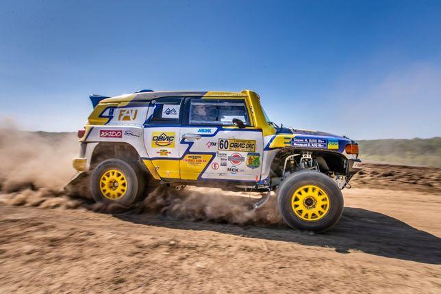 Cпортивный гоночный автомобиль для ралли-рейдов на базе Toyota FJ