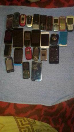 Продам телефони половина з них в робочому стані