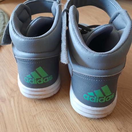 Взуття підліткове