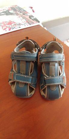 Дичяче взуття для хлопчика