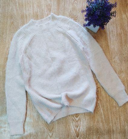Мягкий, приятный к телу свитер Primark размер  S в новом состоянии