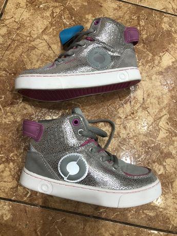 Стильные серебристые ботинки для девочки, размер 30