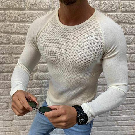 Белый мужской свитер крупной вязки. Тёплый вязаный свитер зимний