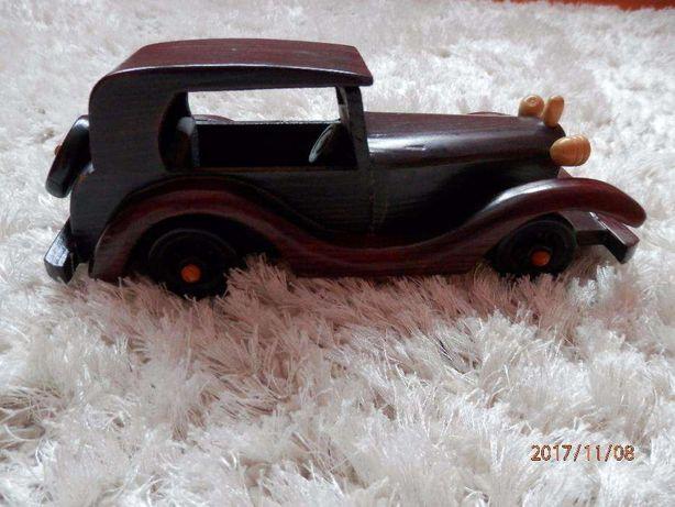 Samochód drewniany, model samochodu drewnianego