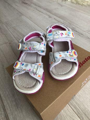 Босоножки bata , сандали