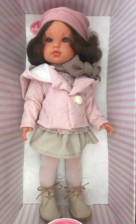 Кукла Белла в зимнем наряда