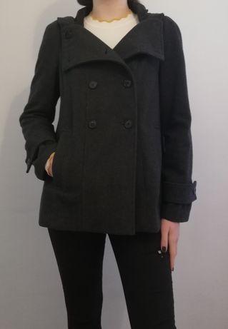 Krótki płaszcz ZARA z kapturem, rozmiar L