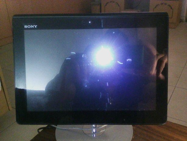 Sony Xperia tablet S с базой