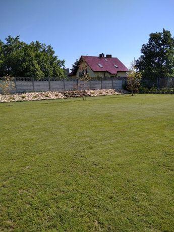Niwelacja terenu przygotowanie działki trawniki równanie wyrównanie