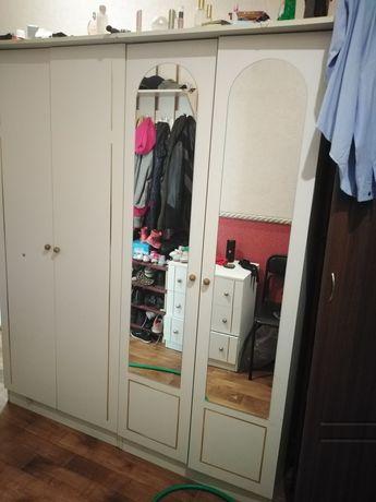 Мебель для спальни или гостиной б/у