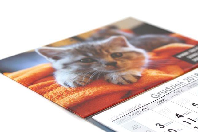 Kalendarze trójdzielne 2021 r grafika firma biuro