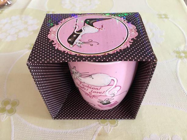 Чашка керамическая розовая