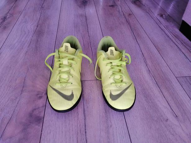 Buty halowe Nike rozmiar 36,5