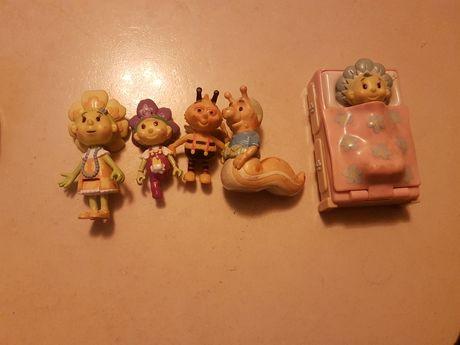 figurki z bajki Fifi zestaw łóżeczko i karuzela