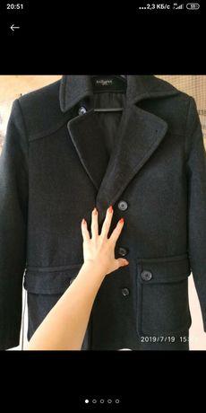 Пальто мужское укороченное, чёрного цвета, б/у