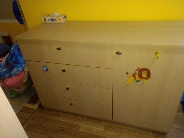 Komoda dziecięca z szufladami i półkami
