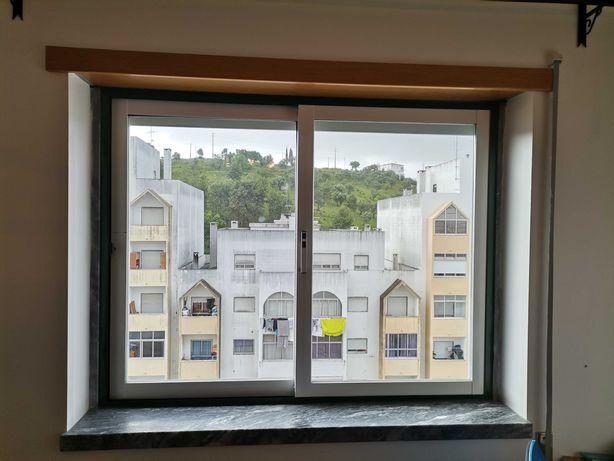 Caixilharia Alumínio - Porta e Janelas com Vidros Duplos