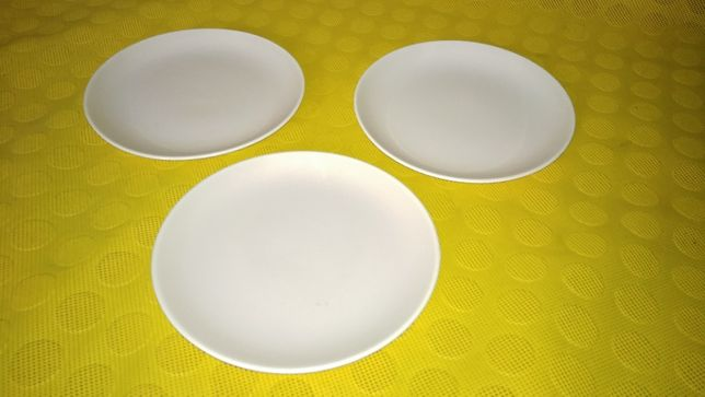 Кремовые тарелки POOLE, Англия (КЛЕЙМО)