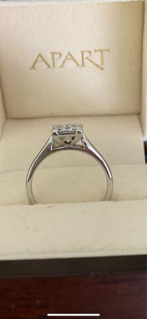 Pierścionek złoty z Apartu z diamentami
