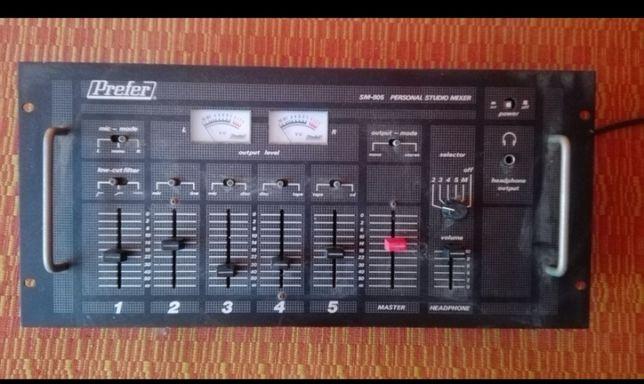 Sprzęt muzyczny(radia, wzmacniacze, mixer studio,magnetofon)