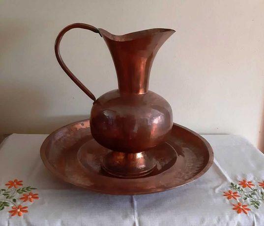 Conjunto de duas peças Antigas em Cobre, Gomil e Lavanda. Bom Estado