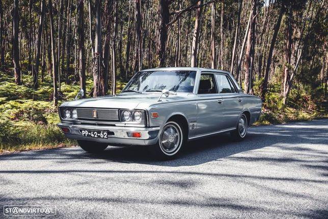 Toyota Crown Outro