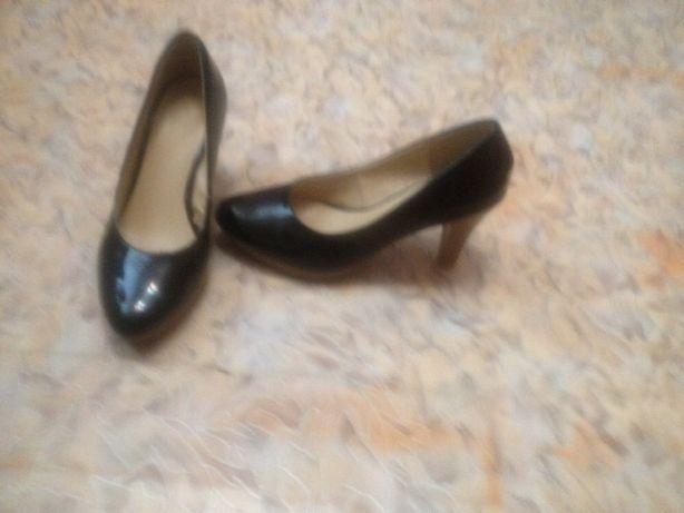 Туфли лаковые. 38 размер.