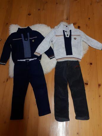 Светр і джинси на хлопчика