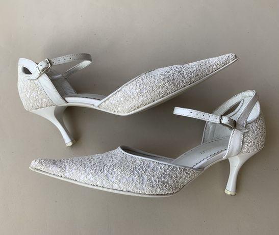 Damskie buty ślubne rozm. 38