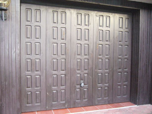 Brama garażowa używana uchylna w komplecie ze stelażem i kluczami