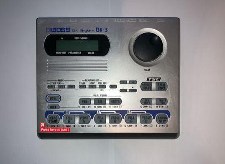 Boss DR-3 automat perkusyjny