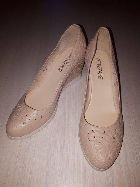 Женские Босоножки туфли бежевые с перфорацией на платформе кожа 38