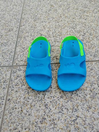 Sandálias para menino, tamanho 23