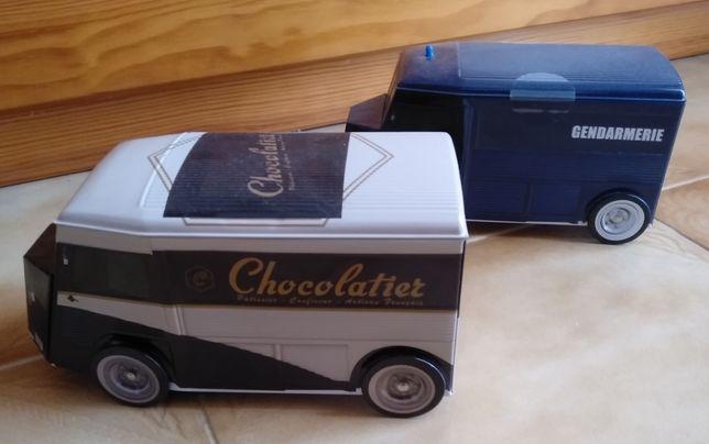 Conjunto de latas em formato da carrinha da Citroen