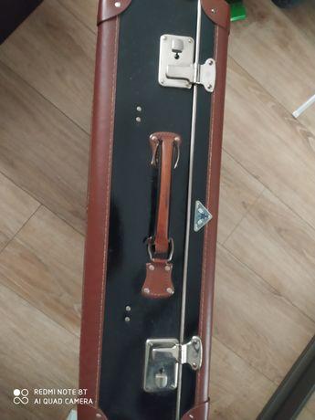 Stara walizka w dobrym stanie!!