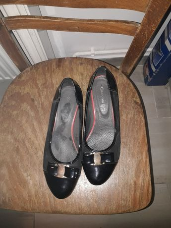 Buty sandałki i półbuty