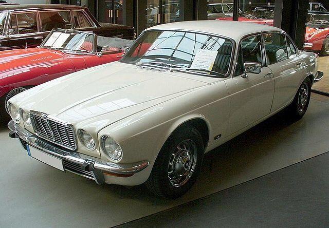Auto do slubu, samochód Jaguar XJ 5.3L V12 z 1976r. wynajem na śluby