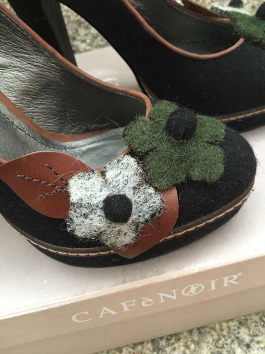 Sapatos pretos com aplicações, Cafènoir - RESERVADOS Viana Do Castelo (Santa Maria Maior E Monserrate) E Meadela - imagem 1