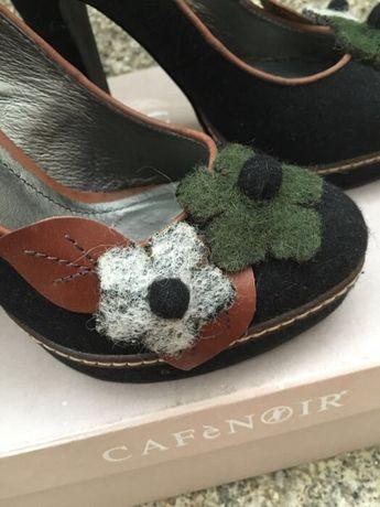 Sapatos pretos com aplicações, Cafènoir - RESERVADOS