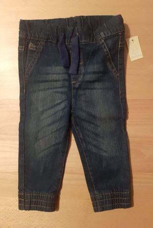 Nowe jeansy r.80