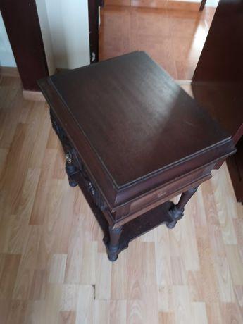 Mesa de cabeceira de cama