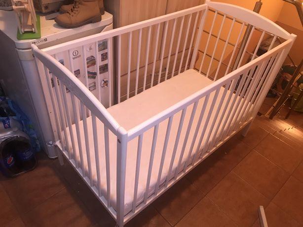 Łóżeczko dla dzieci ze szczebelkami białe 120x60